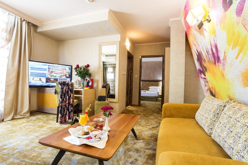 Снимки от СПА Уикенд в Хотел Акватоник, с включени закуска и вечеря