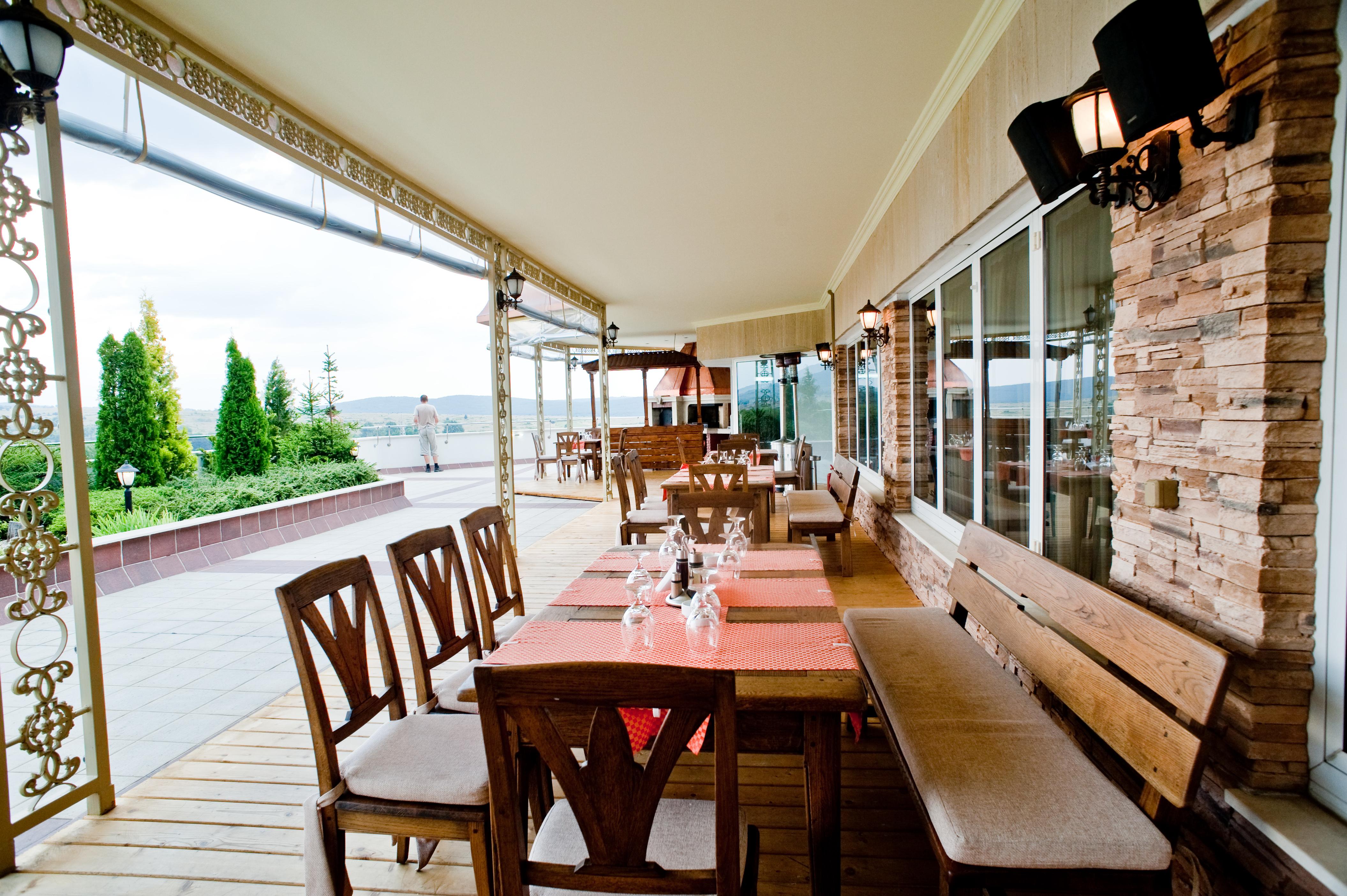 Снимки от Почивка в Спа Хотел Хисар 4*, Хисаря - закуска и вечеря